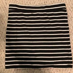 Forever 21 skirt  black and white stripe size m